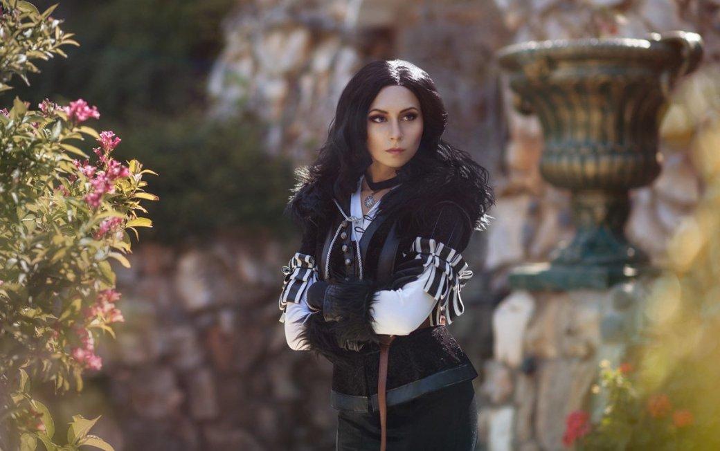 Косплей дня: две разных Йеннифэр изThe Witcher3. Какую выберетевы?