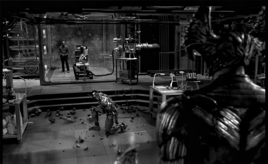 Киборг сталкивается созлодеем нановом кадре из«Лиги справедливости» Зака Снайдера