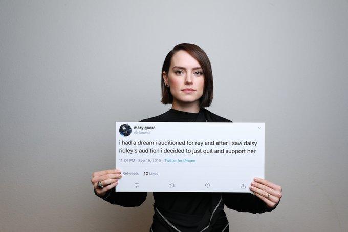 Актеры девятого эпизода «Звездных войн» сфотографировались с твитами фанатов