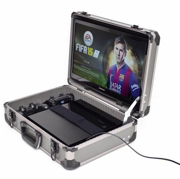 Зачем брать с собой Switch, когда есть Game Case? Футболист выпустил свой «игровой сундучок»