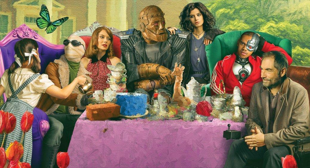 25июня состоялся выход первого эпизода второго сезона сериала «Роковой патруль» (Doom Patrol), который стал транслироваться нетолько напотоковом сервисе DC, ноинаHBO Max.