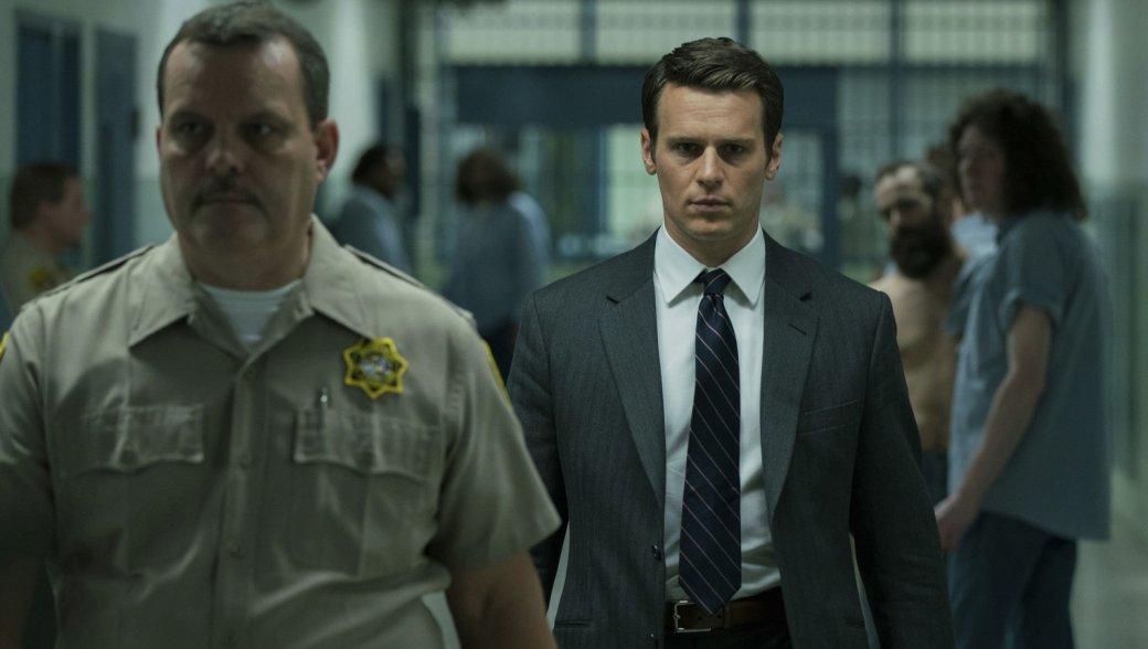 Много новых кадров и трейлер второго сезона «Охотника заразумом». Там будет Чарльз Мэнсон