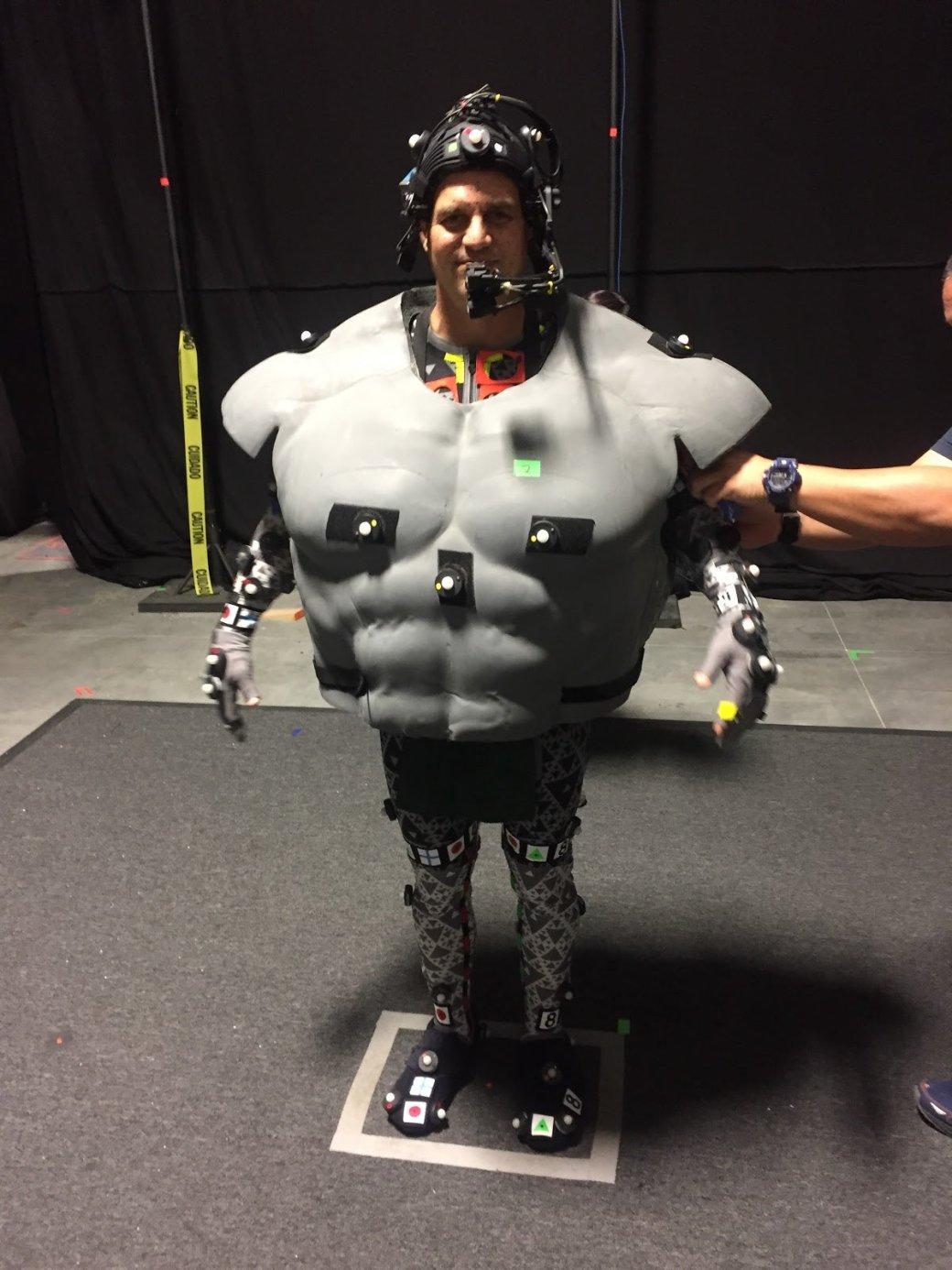 Марк Руффало показал «костюм», вкотором играл Халка. Онсмешной