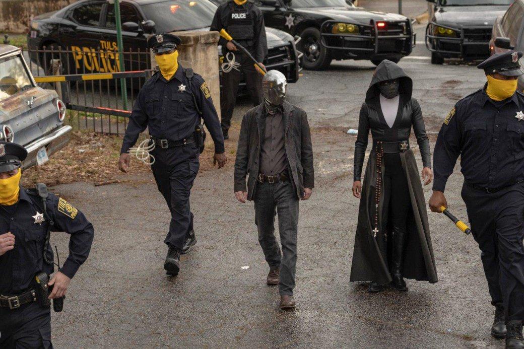 Посмотрели первые 6 серий «Хранителей». Это заявка нашедевр уровня оригинального комикса!
