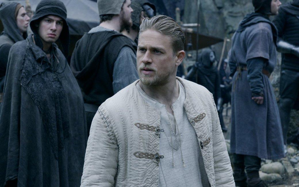 У «Монти Пайтона» было лучше! Критики втоптали в грязь «Короля Артура»