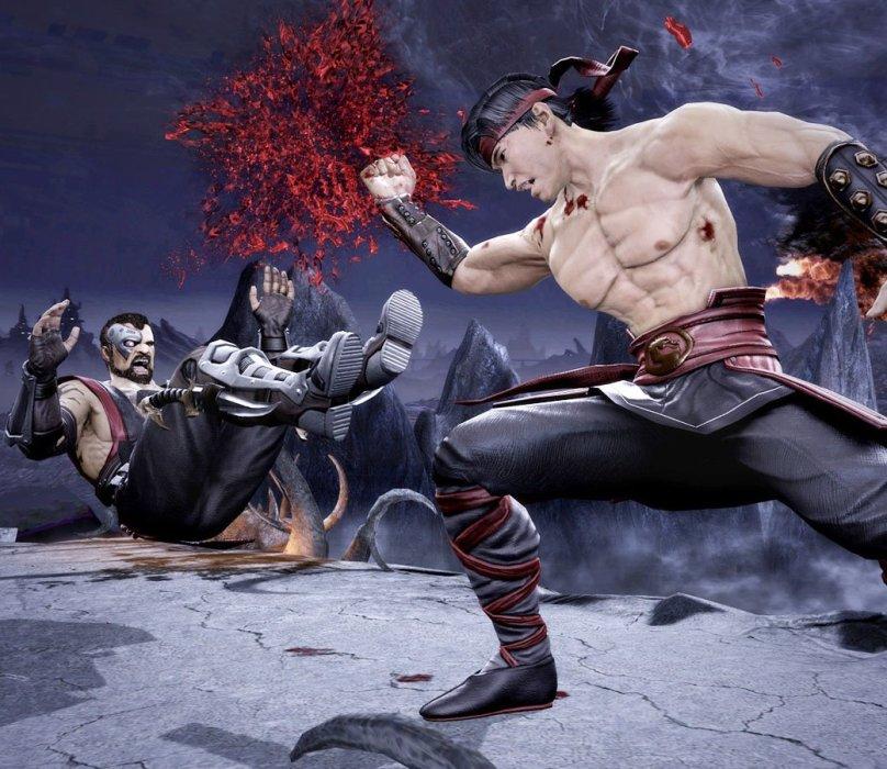 Воспитательный эффект, который Mortal Kombat оказывал на мальчиков, очевиден – все женщины-бойцы были оснащены грудью как минимум пятого размера. PC-реинкарнация легендарной серии продолжает эту и другие славные традиции, а мы в бойцовском клубе «Канобу» традиции ценим. Mortal Kombat Komplete Edition трудно рассматривать через стандартную оптику рецензии – игра не предлагает ничего кардинально нового, возвращая к истокам, к тому времени, когда экраны были выпуклыми, джойстики обходились без стиков, а нашим любимым запахом по утрам был запах плавленого пластика.