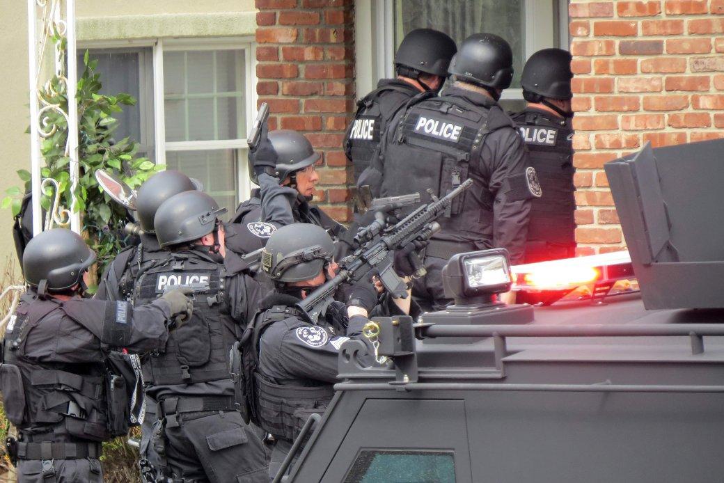 Игроку грозит пять лет тюрьмы за розыгрыш с полицейским спецназом