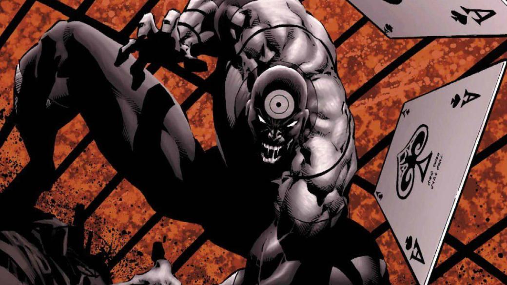 43 года назад настраницах комикса Daredevil #131, вышедшем вмарте 1976 года, впервые появился Меченый— эксцентричный злодей, который необладал никакими суперспособностями, кроме удивительной меткости. Сгодами онпревратился изэффектного наемника впомешанного психопата, для которого человеческая жизнь ничего нестоит. Меченого можно было увидеть ивэкранизациях— например, в«Сорвиголове» 2003 года ив3 сезоне сериала оЧеловеке без страха отNetflix. Вэтом материале мыхотелибы вспомнить несколько отличных историй оМеченом.