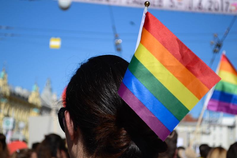 После скандала с удалением статьи о покупателях «Вкусвилла» редакция «Канобу» решила вспомнить случаи, когда рекламные кампании брендов, в том числе в поддержку ЛГБТ,  становились предметом споров и общественного осуждения.