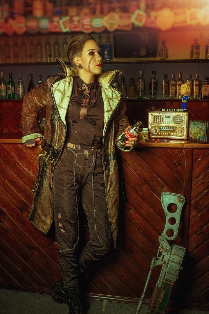Косплей дня: женская версия Старейшины Мэксона из Fallout 4