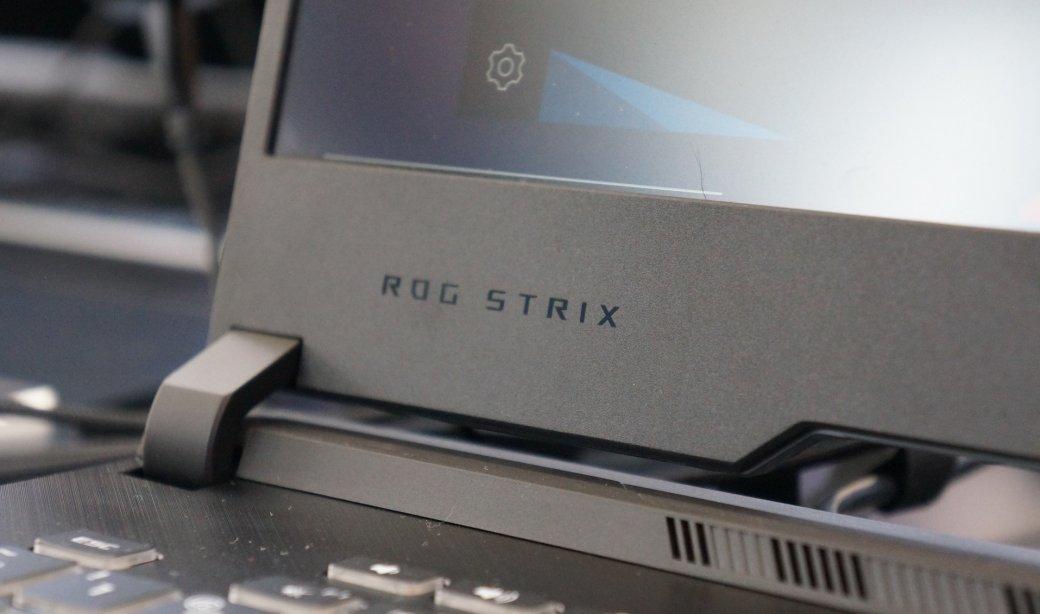 25апреля компания Asus представила новые игровые ноутбуки серии Republic ofGamers, куда вошли модели ROG Zephyrus MиS, атакже ROG Strix Gиобновленные Hero III иScarIII. Кроме топовой серии видеокарт RTX, лэптопы оснащены свежими 1650 и1660 Ti, анекоторые модели даже получили процессор Intel Core i9 девятого поколения. Мыпобывали напрезентации ирасскажем оновинках более подробно.