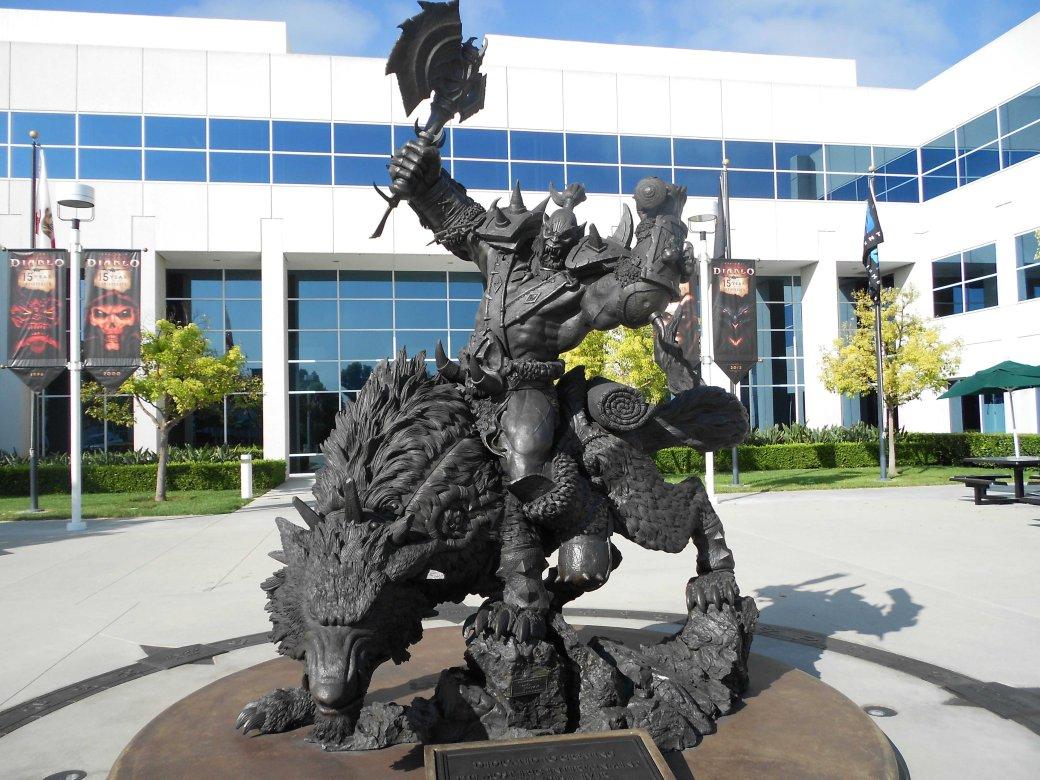 Преданным поклонникам World of Warcraft подарят по статуе