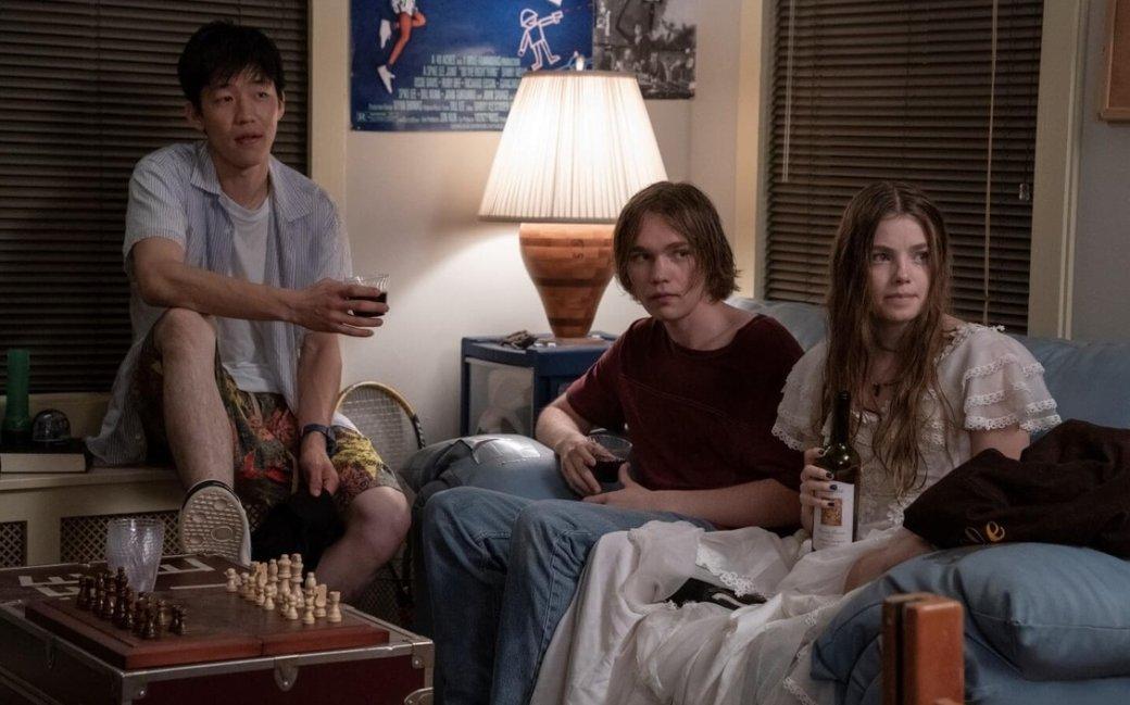 «Впоисках Аляски». Получилсяли сериал покультовому подростковому роману автора «Виноваты звезды»?