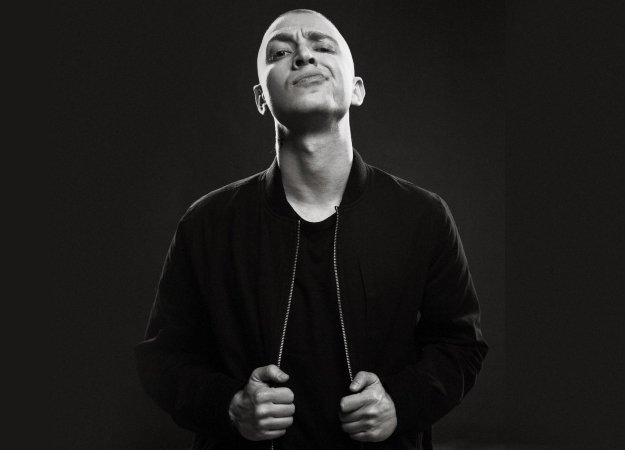 Видео: как проходил рэп-баттл Оксимирон против Гнойного