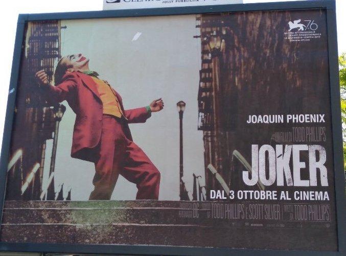 Посмотрели «Джокера». Гениальный Хоакин Феникс вочень сильном фильме!