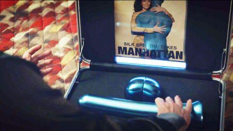 Канал HBO опубликовал чертеж огромного голубого дилдо из«Хранителей»