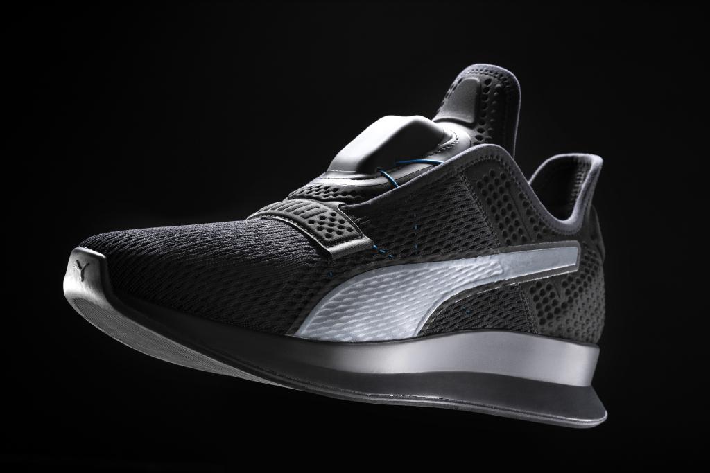 Puma представила смарт-кроссовки савтоматической шнуровкой Puma Fi