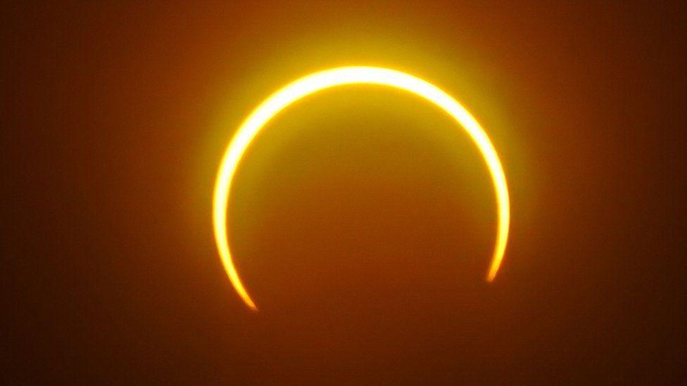 15 удивительных фотографий последнего солнечного затмения в2019 году