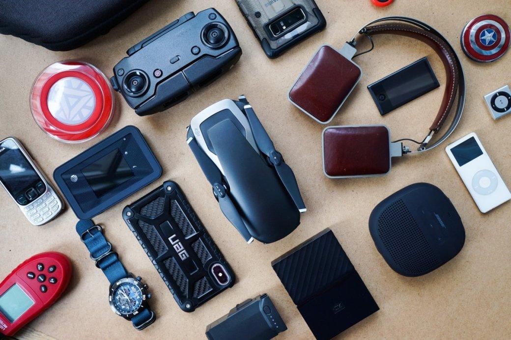 Собрали пачку скидок винтернет-магазине AliExpress наразные полезные гаджеты: портативные динамики, дроны, «умные» часы, TWS-наушники ипрочее.