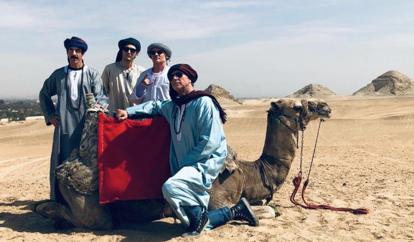 Red Hot Chili Peppers исполнили Pyramid Song уегипетских пирамид!