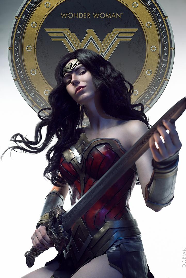 Сильная икрасивая Чудо-женщина вкосплее по мотивам фильмаWonder Woman