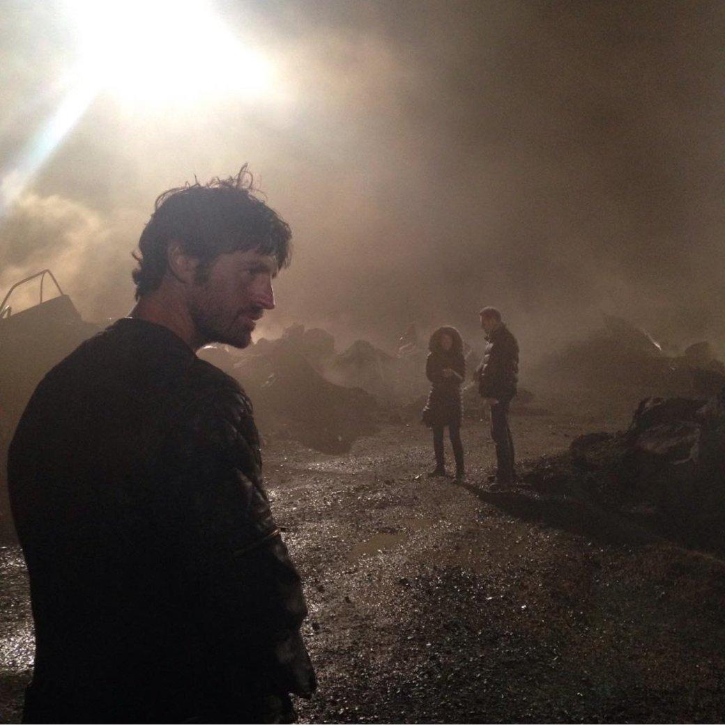 Милла Йовович поделилась фото с площадки последней «Обители зла»