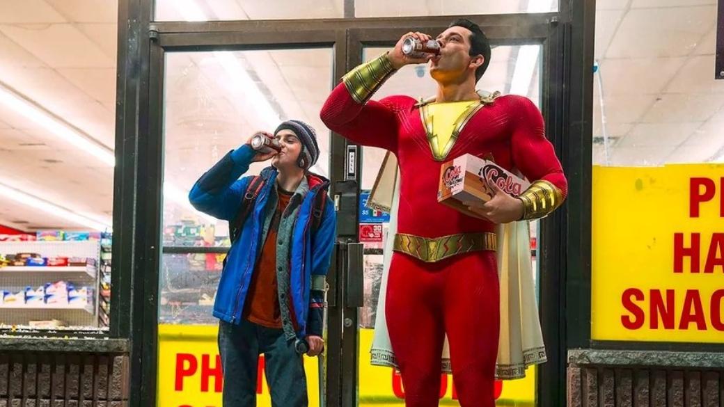 4апреля вкино выходит новый фильм киновселенной DC, который, подобно «Аквамену», кэтой «вселенной» принадлежит лишь формально. «Шазам» (Shazam!)— история простого подростка Билли Бэтсона, который получил способности шести греческих богов. Мне удалось посмотреть фильм напресс-показе— ивэтом материале яобъясняю, что у«Шазама» получилось, ачтонет.