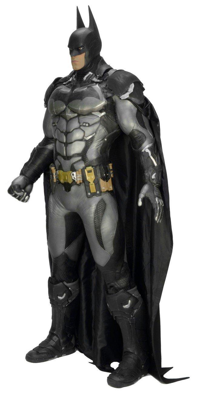 Кому фигурку Бэтмена высотой в человеческий рост?