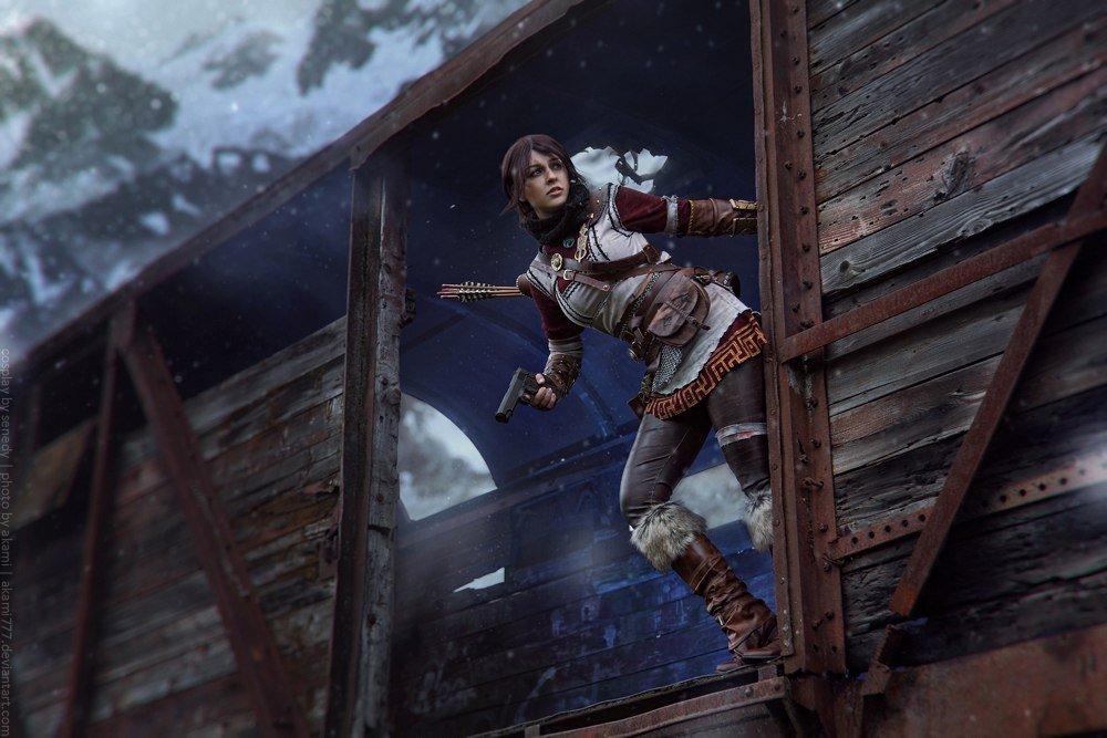 Косплей дня: мерзнущая в горах Лара Крофт из Rise of The Tomb Raider
