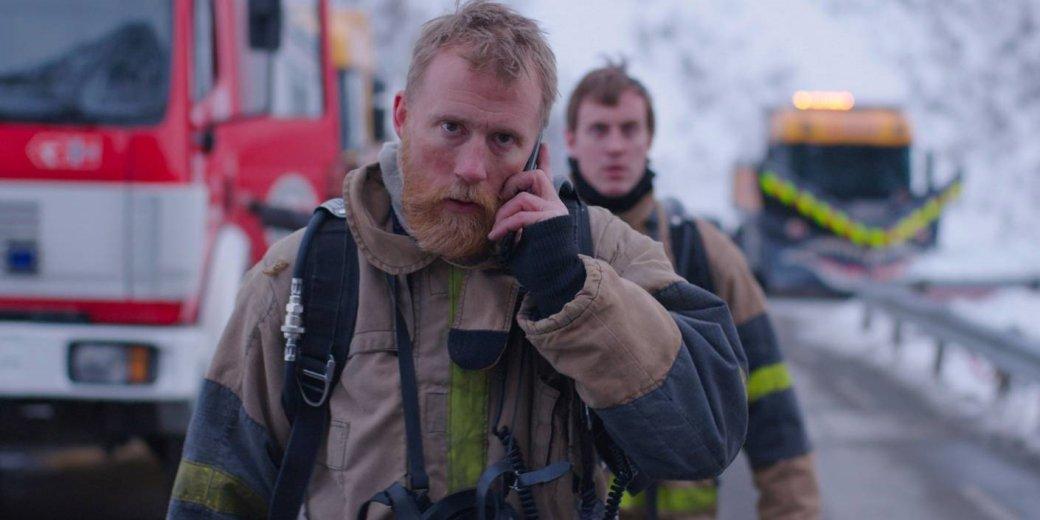Несмотря на закрытие большей части кинотеатров в стране, на большом экране все же выходят новинки. Одной из них стала норвежская картина «Туннель: Опасно для жизни» (The Tunnel) режиссера Пола Ойе. Размышляем, как история о взрыве в туннеле смотрится в эпоху самоизоляции.