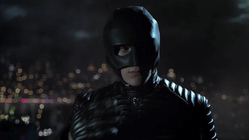 Вчетвертом сезоне «Готэма» покажут самую первую версию костюма Бэтмена