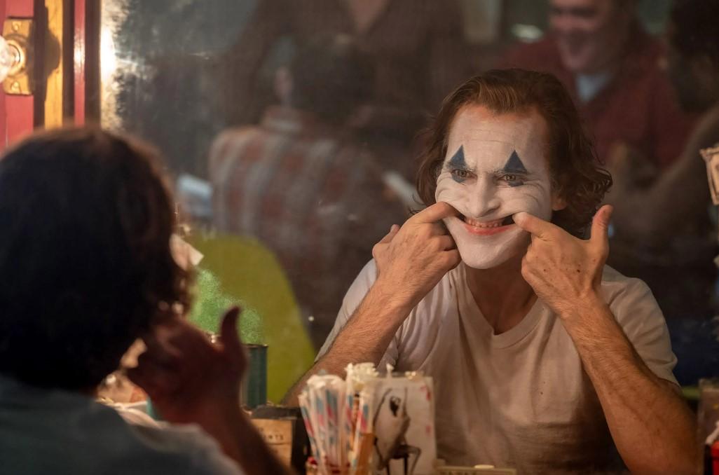 31августа наВенецианском кинофестивале состоялась мировая премьера горячо ожидаемого «Джокера». Кинокритик Эдуард Голубев посмотрел картину вчисле первых зрителей иделится своими впечатлениями.