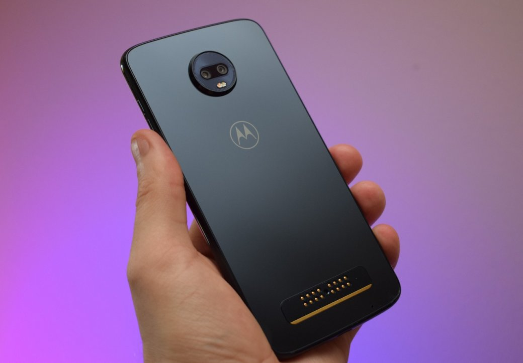 Модульный смартфон Moto Z4Play тоже получит камеру на48Мп иподэкранный дактилоскопический датчик