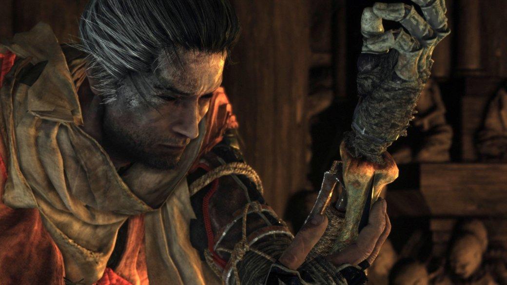 ВSekiro: Shadows Die Twice немало приспособлений для протеза Волка. Каждый изних— это уникальное снаряжение, которое нераз выручит вас всражениях. Получить большую часть из них можно напервых часах игры, главное— знать где искать. Сэтим-то мывам ипоможем.