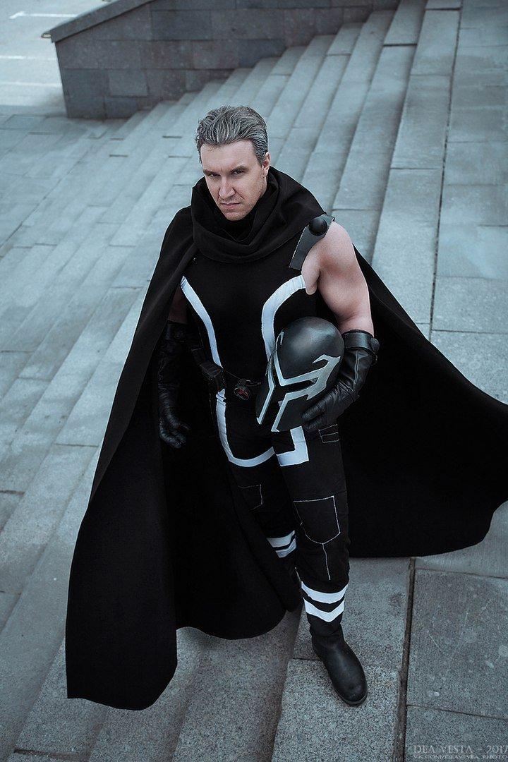 Косплей дня: борец за права мутантов Магнето иего семья