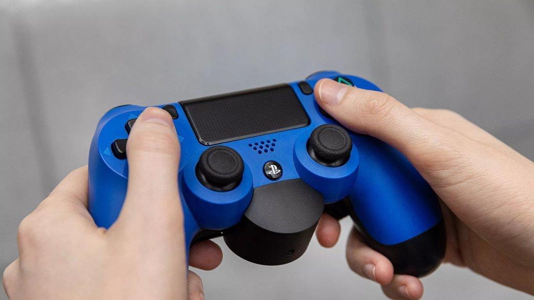 Западные журналисты довольны официальным креплением склавишами «лепестками» для DualShock4