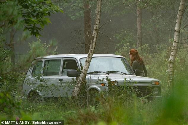 Новые кадры «Черной Вдовы» греют русскую душу— там березки иавтомобиль «Нива»