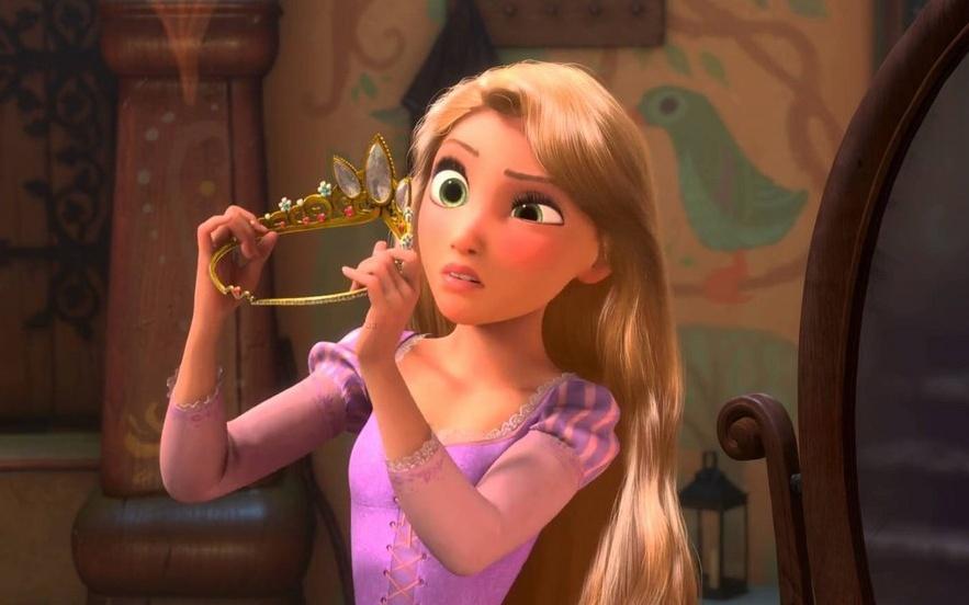 Несколько дней назад вышел новый мультфильм студии Disney «Холодное сердце» (Frozen 2). Еще дорелиза онзапомнился жаркими спорами про одинаковость лиц Диснеевских принцесс иразличными «пластическими операциями» героинь посредством фотошопа. Художник-мультипликатор ибольшой поклонник анимации Валерия Лямеборшай предлагает проследить заэволюцией образов Диснея иразобраться в«генетике» его принцесс.