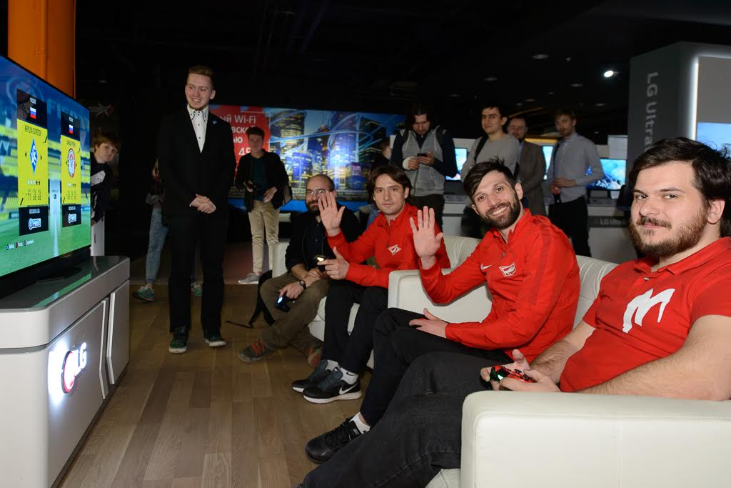 LG провела турнир по FIFA 17 среди прессы и футболистов «Спартака»