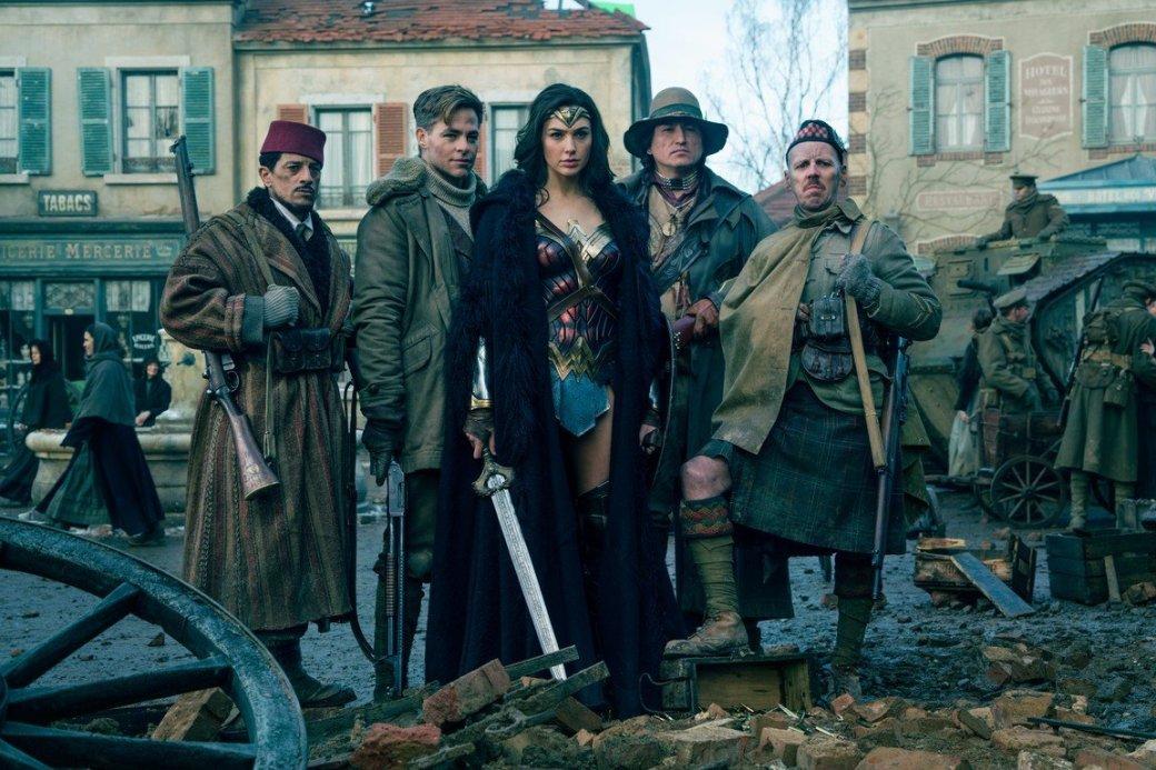 Режиссер: «Чудо-женщина» не про Первую мировую, а про современность!