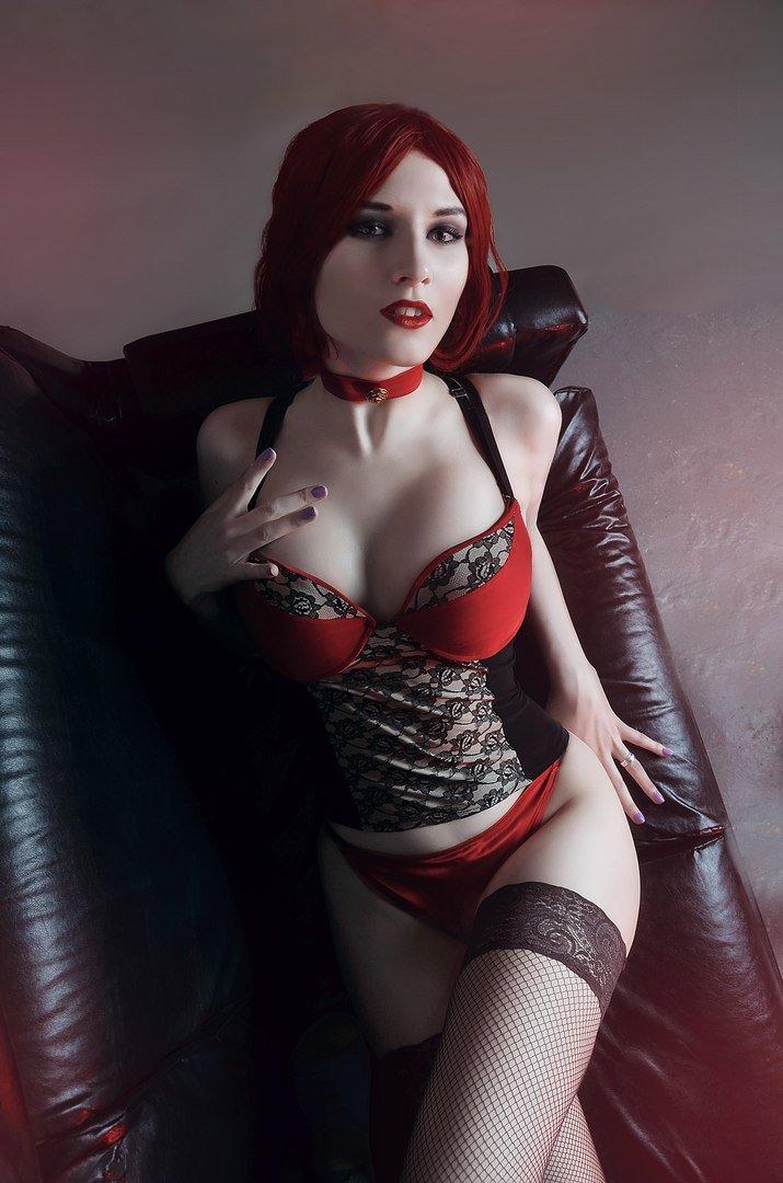 Косплей дня: очаровательные вампирши из Vampire: The Masquerade