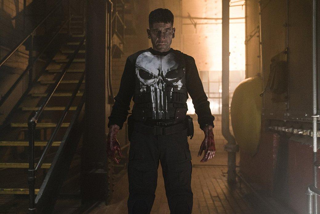 17ноября Netflix выложила все 12 серий первого сезона «Карателя», пятого сольного сериала влинейке «Защитников» иседьмого проекта втелефраншизе Netflix/Marvel. Фрэнк Касл, отлично сыгранный Джоном Бернталом (который, зацените, учился воМХАТе) так понравился зрителям в«Сорвиголове», что Netflix решила посвятить ему отдельный спин-офф, которого небыло визначальном плане серии «Защитники».