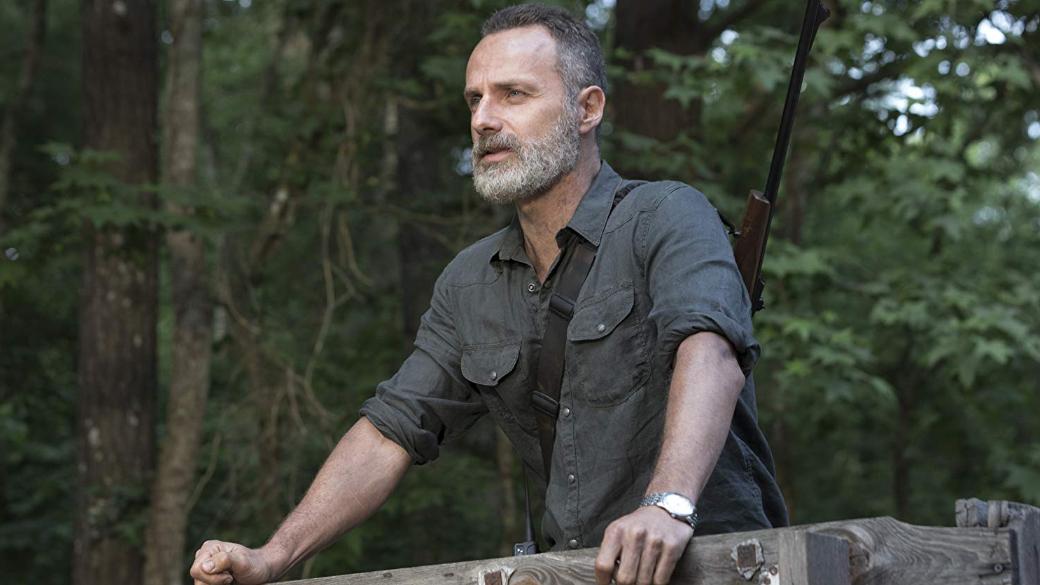 31марта вышла 16 серия 9 сезона «Ходячих мертвецов» (The Walking Dead), заключительная всезоне. Сериал уже продлен на10 сезон, вкотором продолжится адаптация конфликта сШепчущимися— общиной выживших, которые носят кожу мертвецов поверх своей. 9 сезон стал показательным— новый шоураннер Анджела Канг была вынуждена экспериментировать, иэто непошло напользу сериалу.