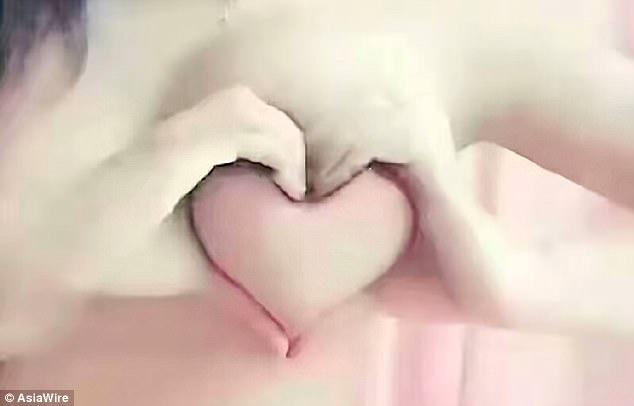 [NSFW] Грудь вформе сердца: безумный флешмоб откитайских девушек