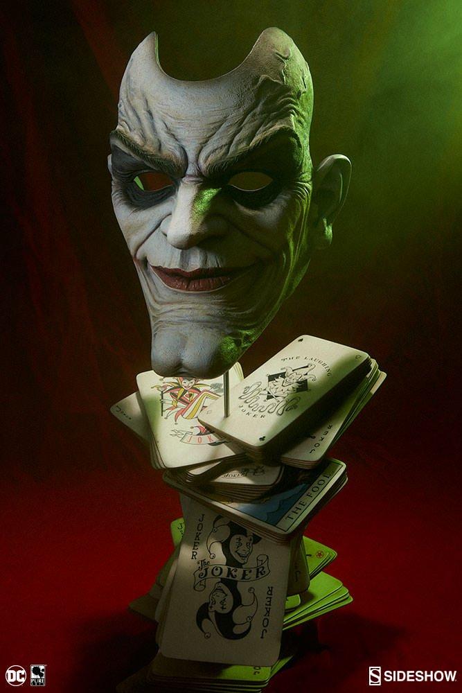 Новый бюст классического Джокера выглядит довольно пугающе