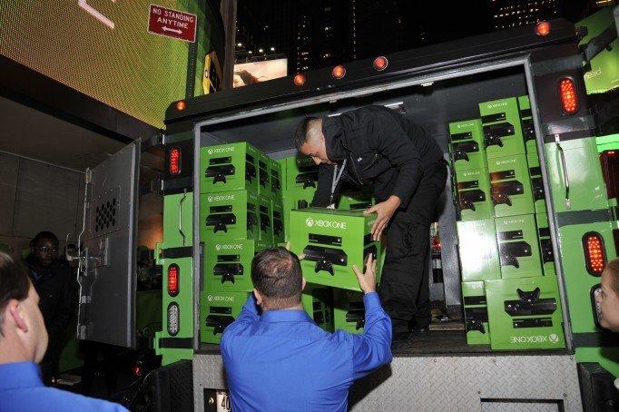 Microsoft отгрузила 2,4 млн консолей Xbox за квартал