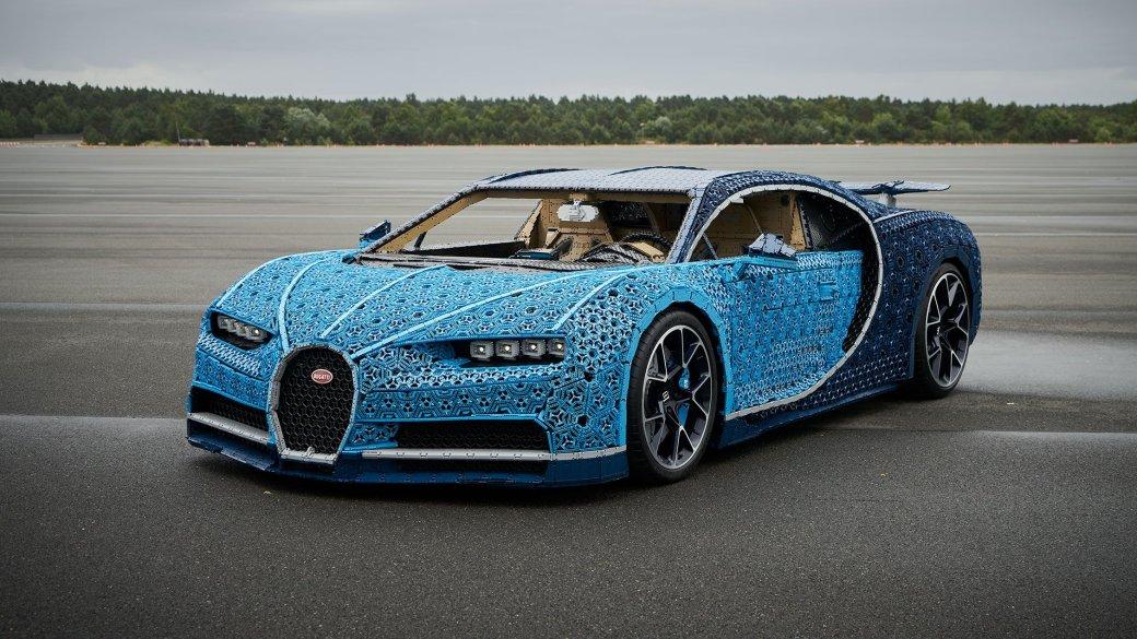 Автомобили, впрямом смысле состоящие изкирпичей, умеют ездить нетолько в«Lego-фильмах», ноивреальности. Правда, добиться этого удалось далеко несразу.