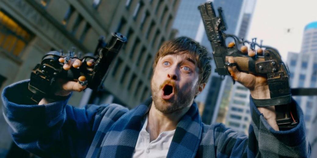 27февраля вроссийских кинотеатрах стартовал фильм «Пушки Акимбо» (Guns Akimbo) сглавнойзвездой «Гарри Поттера». Оказалсяли фильмтакимже безумным, что иего трейлеры?