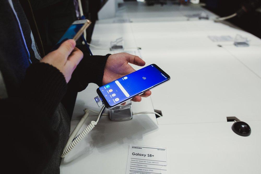 Samsung провела торжественный старт продаж смартфонов Galaxy S8 и S8+