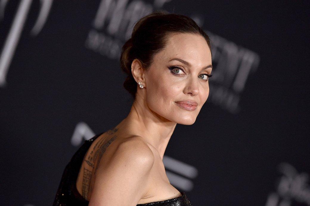 Warner Bros. объявила дату выхода триллера «Те, кто желают мне смерти» сАнджелиной Джоли